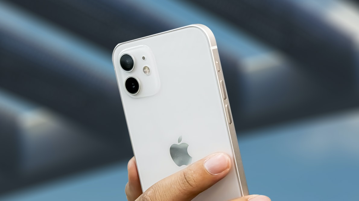 iphone 12 review 2021